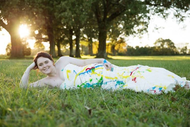 bride-left-at-altar-trash-dress-photoshoot-1