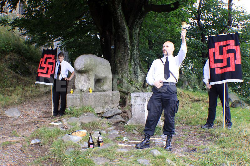 1295396348-harvest-festival-of-polish-neopagan-nationalists_560293