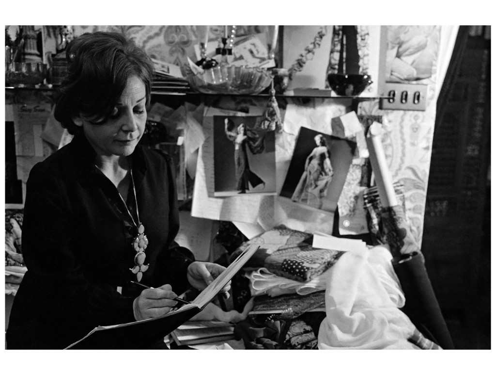thea-porter-in-her-workroom-at-the-back-of-the-greek-street-shop-photo-alberto-salvagno