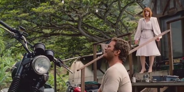 exclusive-jurassic-world-clip-reveals-some-pivotal-plot-points-349873