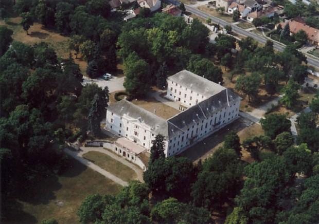 Bicske_-_Palace