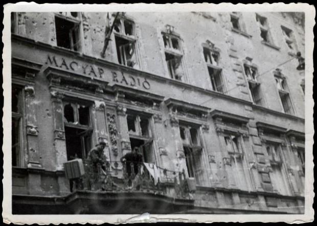 magyar-radio-1956
