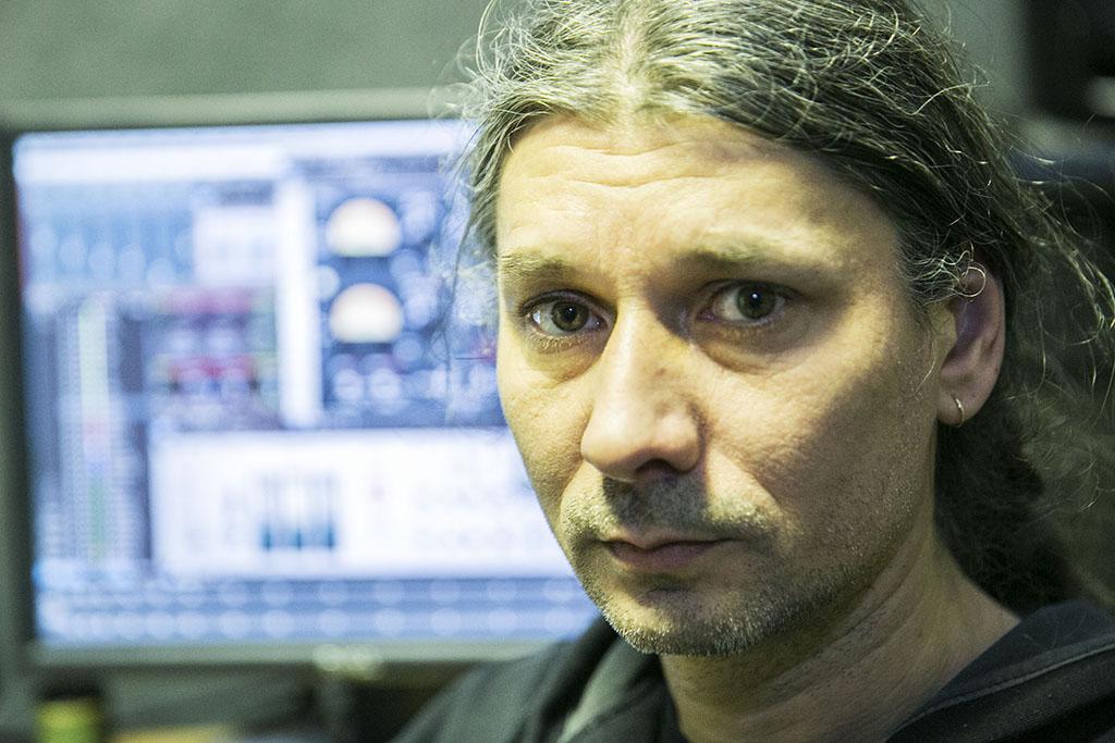 Takacs Laszlo - Deja VU Meter - avagy miert nem hasznos a techni kuss! könyv szerzője