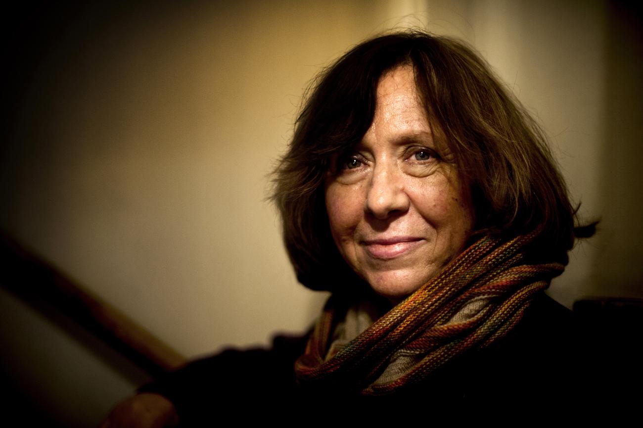 A Svéd Királyi Akadémia 2015. október 8-án bejelentette, hogy az idén Szvetlana Alekszijevics fehérorosz ellenzéki író nyerte el az irodalmi Nobel-díjat