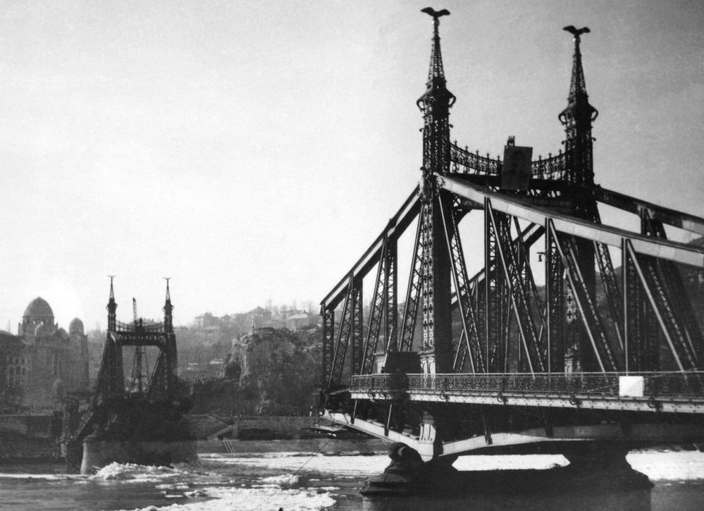 Szabadsag_hid_Budapest_1946_02_03_id_Takacs_amator_fotoja