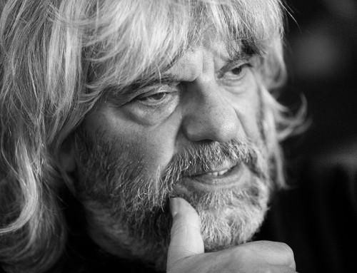 """""""A rockzene feladta a kívülállást, a bankok és a média kiscicája lett"""" – Földes László Hobóval beszélgettünk"""