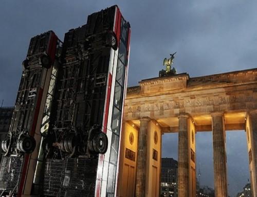 Buszroncsokkal emlékeznek Berlinben Aleppo ostromára